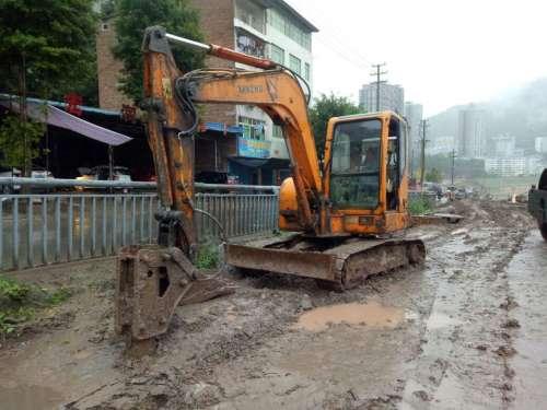 四川出售转让二手12000小时2009年新筑XZ60挖掘机