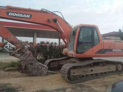 河北出售转让二手8000小时2010年斗山DH225挖掘机