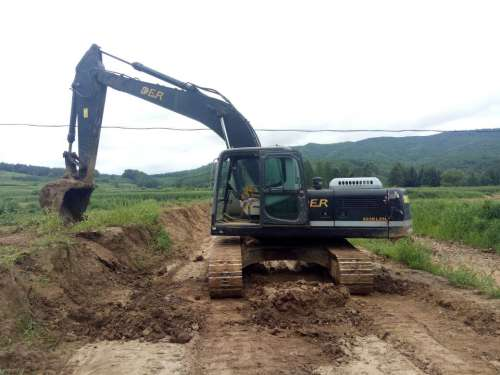 吉林出售转让二手5655小时2011年恒天德尔DER323挖掘机