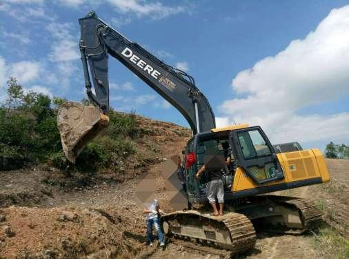 贵州出售转让二手1250小时2016年约翰迪尔E240LC挖掘机