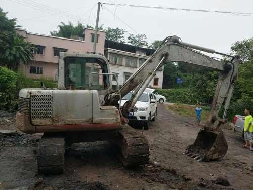 四川出售转让二手12335小时2009年竹内TB175C挖掘机