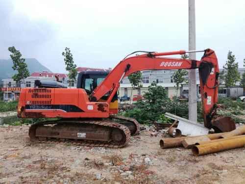 山东出售转让二手2900小时2011年永工YG220挖掘机