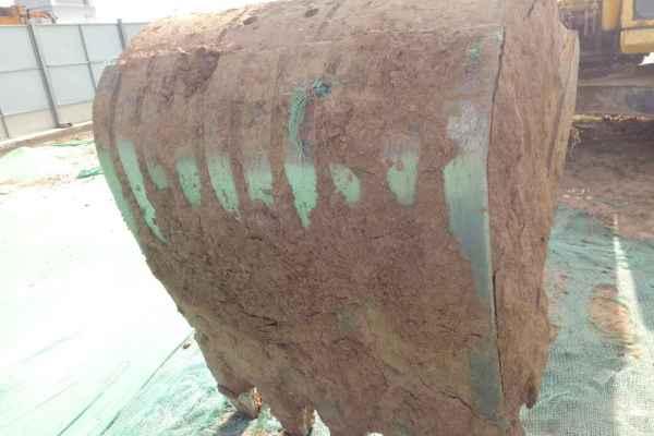 陕西出售转让二手6500小时2011年小松PC240挖掘机
