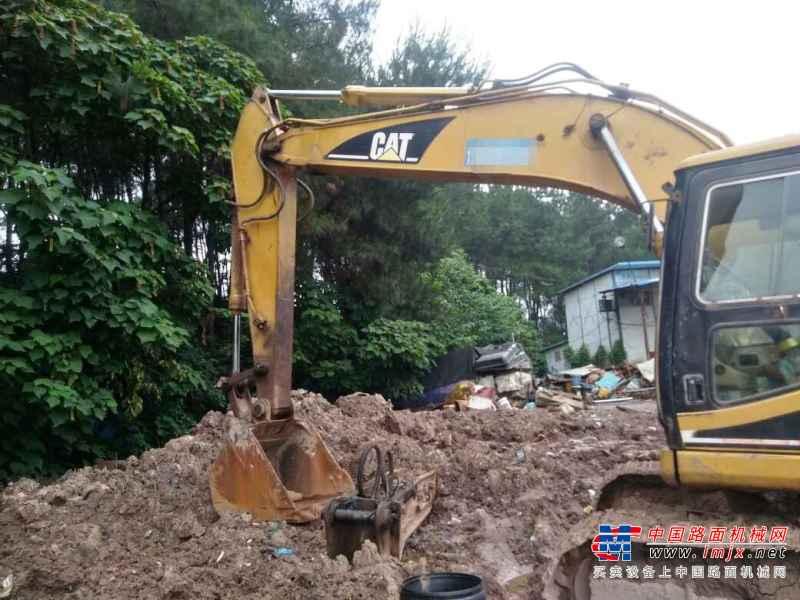 重庆出售转让二手19000小时2005年卡特彼勒320B挖掘机
