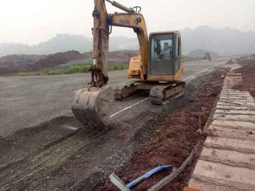 四川出售转让二手12000小时2010年小松PC90挖掘机