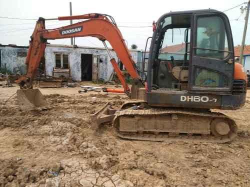 山东出售转让二手10000小时2010年斗山DH60挖掘机