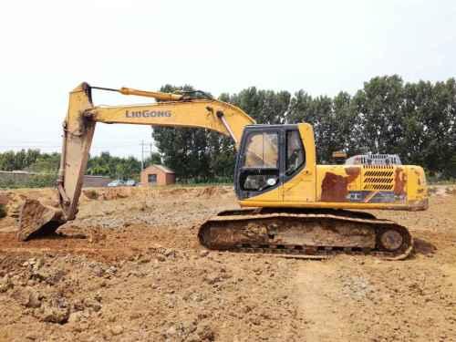 山东出售转让二手11000小时2010年柳工CLG225C挖掘机