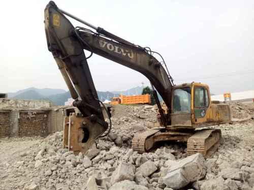 陕西出售转让二手8000小时2010年沃尔沃EC240B挖掘机
