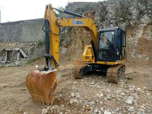 贵州出售转让二手604小时2014年徐工XE80挖掘机