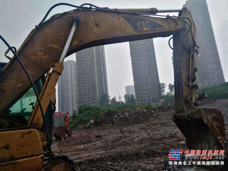 重庆出售转让二手15000小时2006年卡特彼勒320C挖掘机