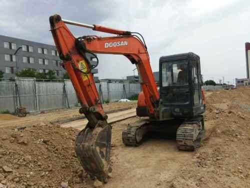 山西出售转让二手11000小时2006年斗山DH55挖掘机