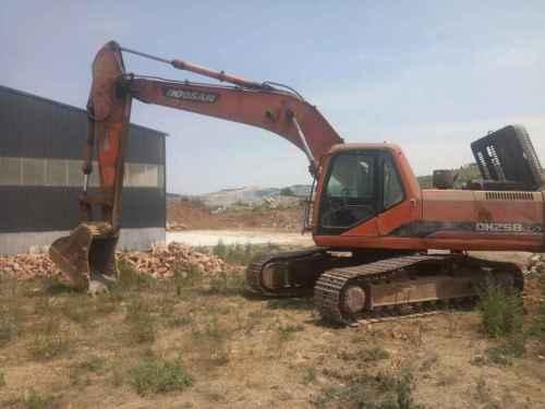 山东出售转让二手14000小时2010年斗山SL258LC挖掘机