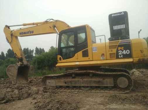 陕西出售转让二手6818小时2010年小松PC220挖掘机