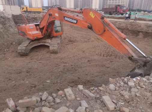 山西出售转让二手5800小时2011年斗山DH220挖掘机