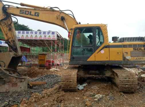 贵州出售转让二手5600小时2013年临工LG6210E挖掘机