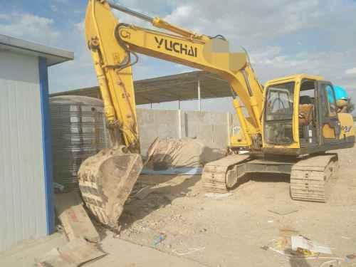 甘肃出售转让二手8000小时2010年玉柴YC135挖掘机