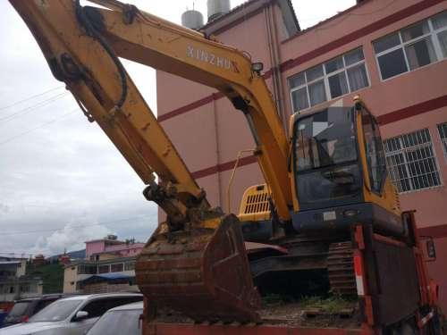 云南出售转让二手2100小时2013年新筑XZ90挖掘机