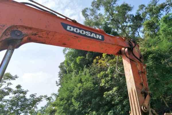 重庆出售转让二手5000小时2012年斗山DX80挖掘机