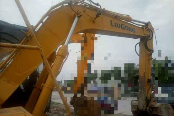贵州出售转让二手9000小时2012年柳工915D挖掘机