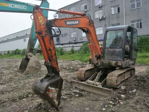 四川出售转让二手5326小时2012年斗山DH60挖掘机