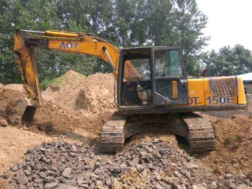 安徽出售转让二手8000小时2010年奥泰重工150挖掘机