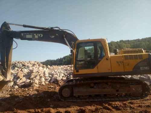 贵州出售转让二手11681小时2009年沃尔沃EC210B挖掘机