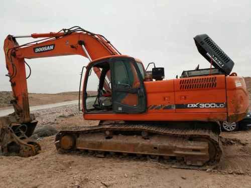 内蒙古出售转让二手8000小时2010年斗山DX300LC挖掘机