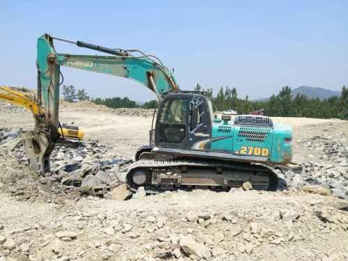 山东出售转让二手8000小时2014年神钢SK270D挖掘机