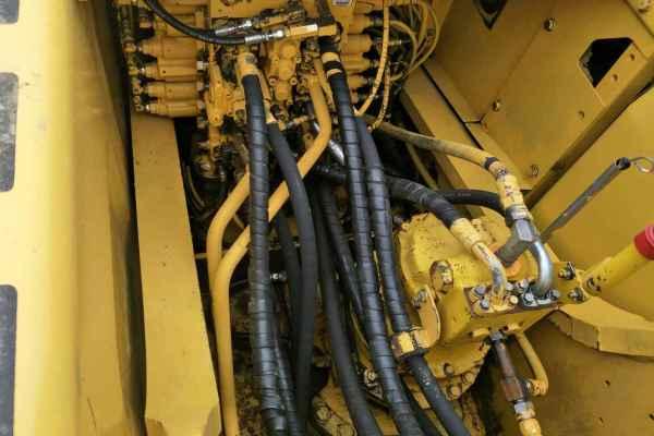 四川出售转让二手11528小时2010年小松PC220挖掘机