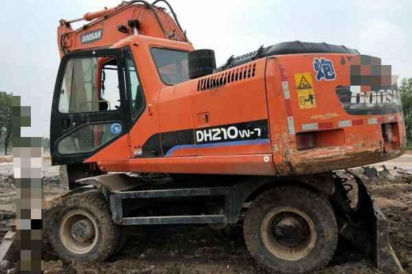 山西出售转让二手15000小时2010年斗山轮挖DH210W挖掘机