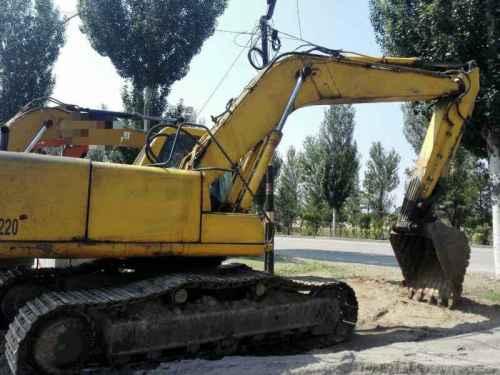 辽宁出售转让二手25000小时2004年小松PC220挖掘机