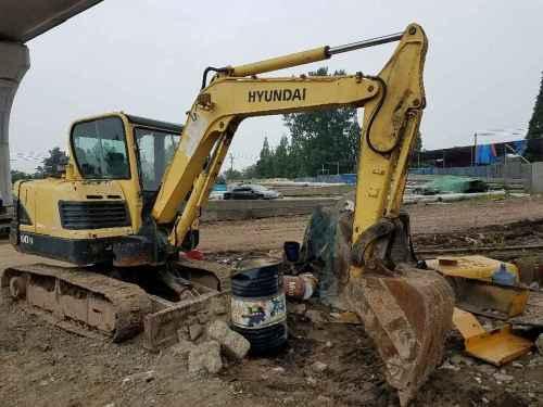 四川出售转让二手8000小时2010年现代R60挖掘机
