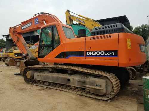四川出售转让二手8000小时2011年斗山DH300LC挖掘机