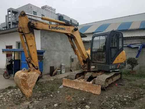 四川出售转让二手3000小时2014年柳工CLG906D挖掘机