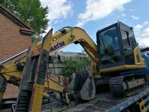 黑龙江出售转让二手8000小时2012年小松PC70挖掘机