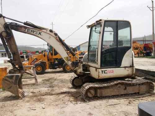 陕西出售转让二手4800小时2010年特雷克斯TC60挖掘机