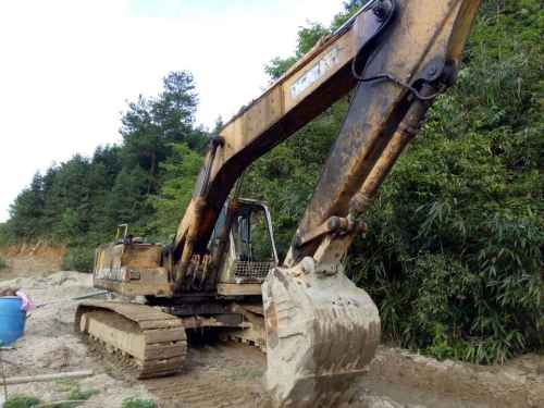 广东出售转让二手21800小时2003年加藤HD700VII挖掘机
