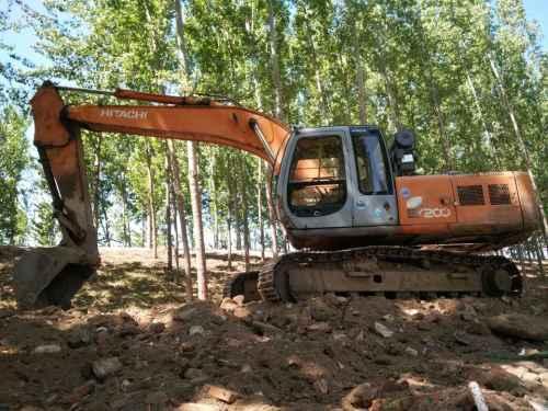 天津出售转让二手25000小时2003年日立EX200挖掘机