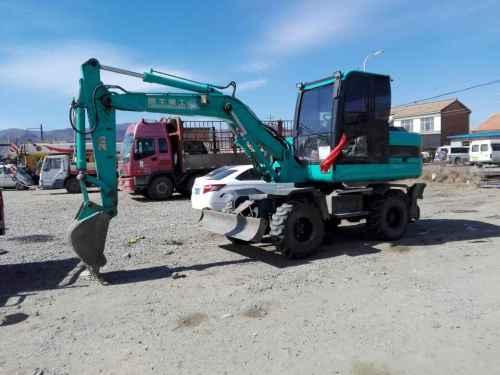 内蒙古出售转让二手3000小时2014年鲁牛LN75B挖掘机