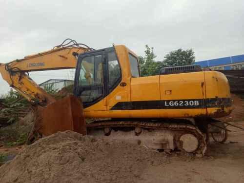 江西出售转让二手9858小时2007年龙工LG6220D挖掘机