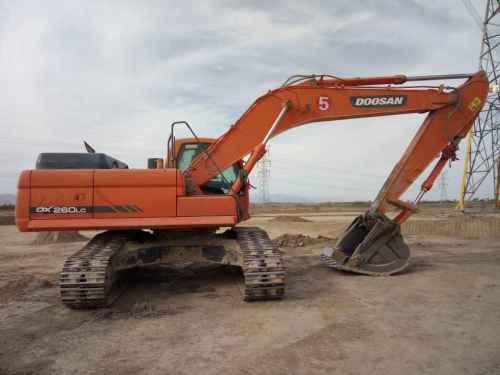 内蒙古出售转让二手8000小时2012年斗山DX260LC挖掘机