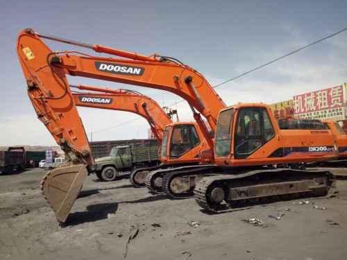 内蒙古出售转让二手6800小时2010年斗山DH300LC挖掘机