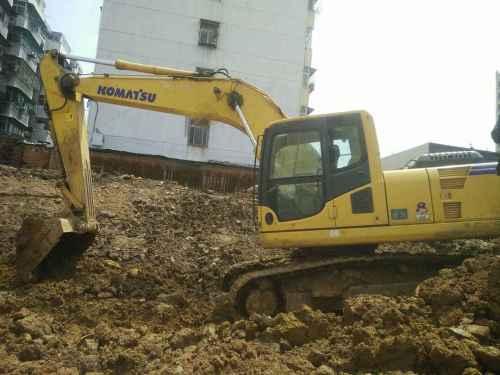 湖北出售转让二手12800小时2010年小松PC200挖掘机