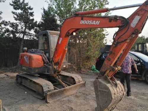 北京出售转让二手12000小时2010年斗山DH55挖掘机
