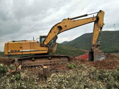 云南出售转让二手7052小时2013年利勃海尔934挖掘机