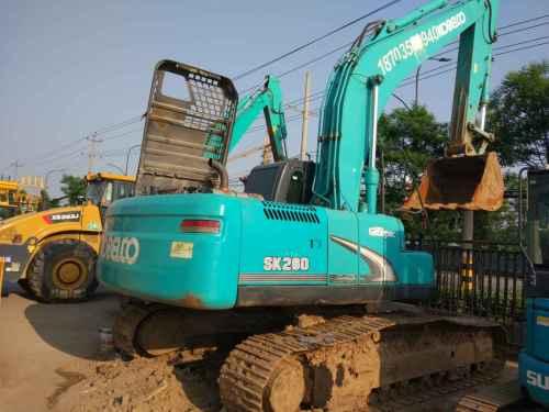 陕西出售转让二手4000小时2013年神钢SK260LC挖掘机