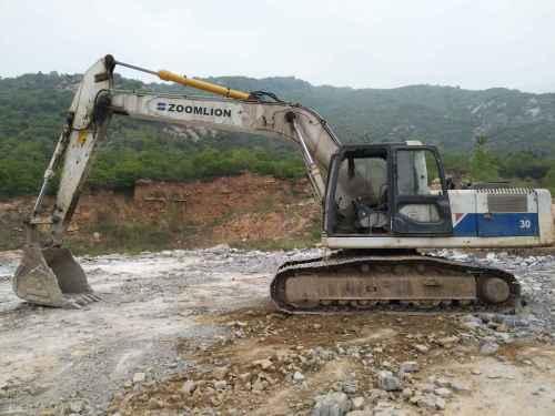 江苏出售转让二手16000小时2007年中联重科ZE230挖掘机