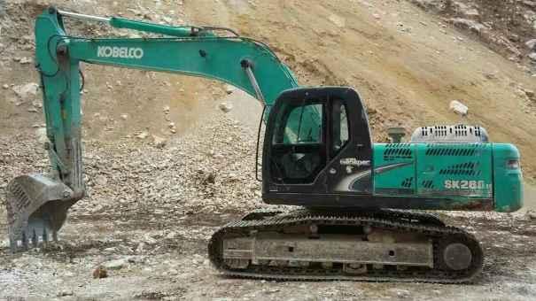 陕西出售转让二手5600小时2010年神钢SK250挖掘机