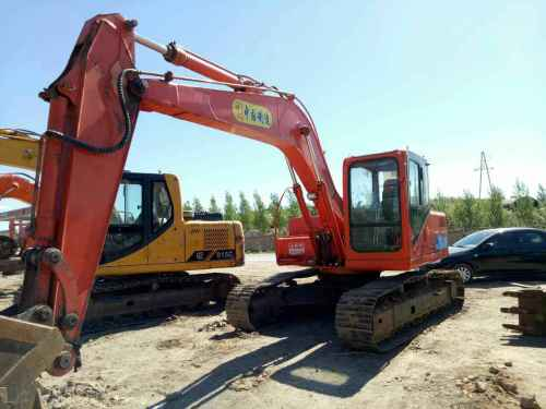 内蒙古出售转让二手8000小时2010年腾翔TX135D挖掘机
