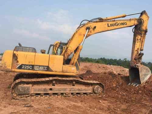 四川出售转让二手13000小时2010年柳工CLG225C挖掘机